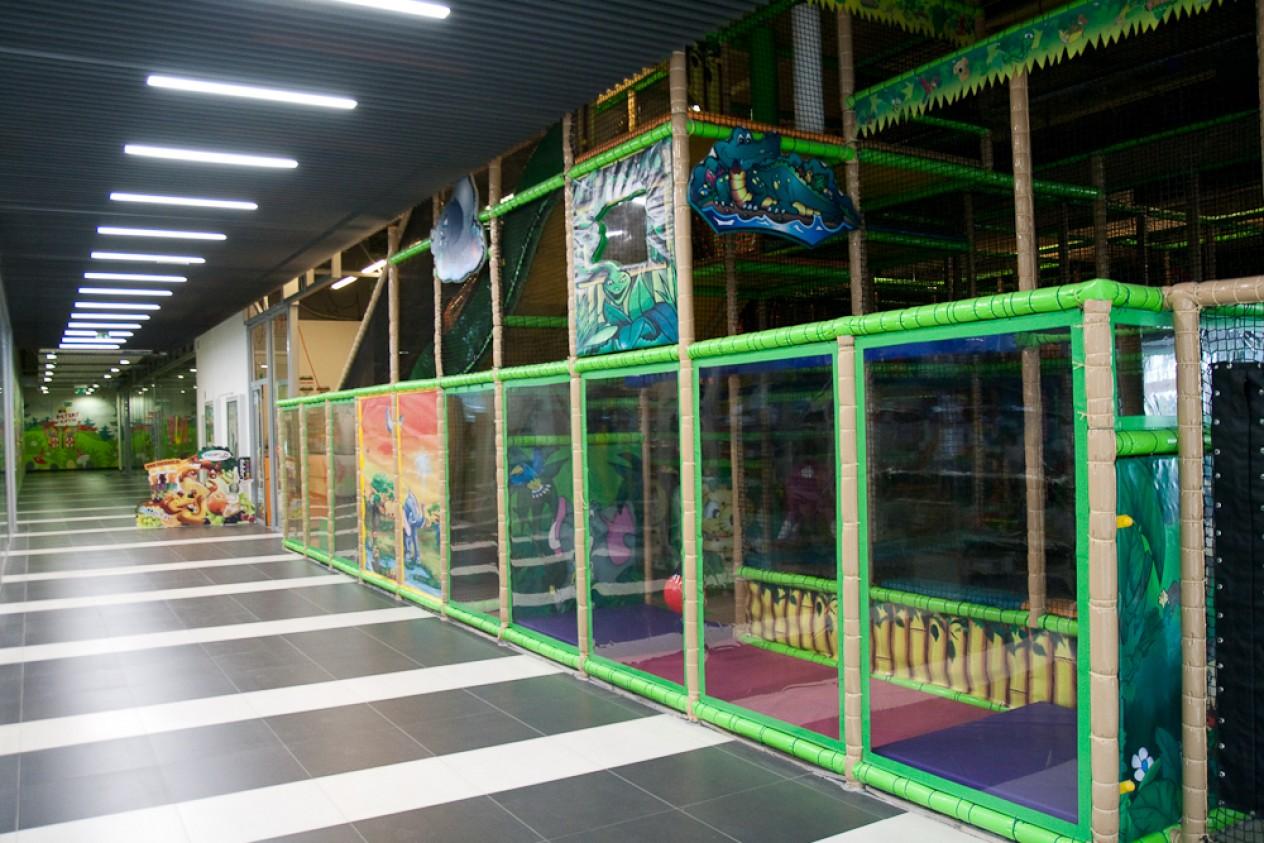 3600bbf4b HOPLA LAND | Obchody | Kino, zábava v OC MAX Trenčín