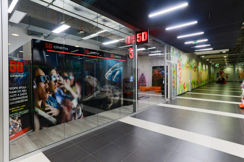 46fc41567 5D Cinema | Obchody | Kino, zábava v OC MAX Trenčín