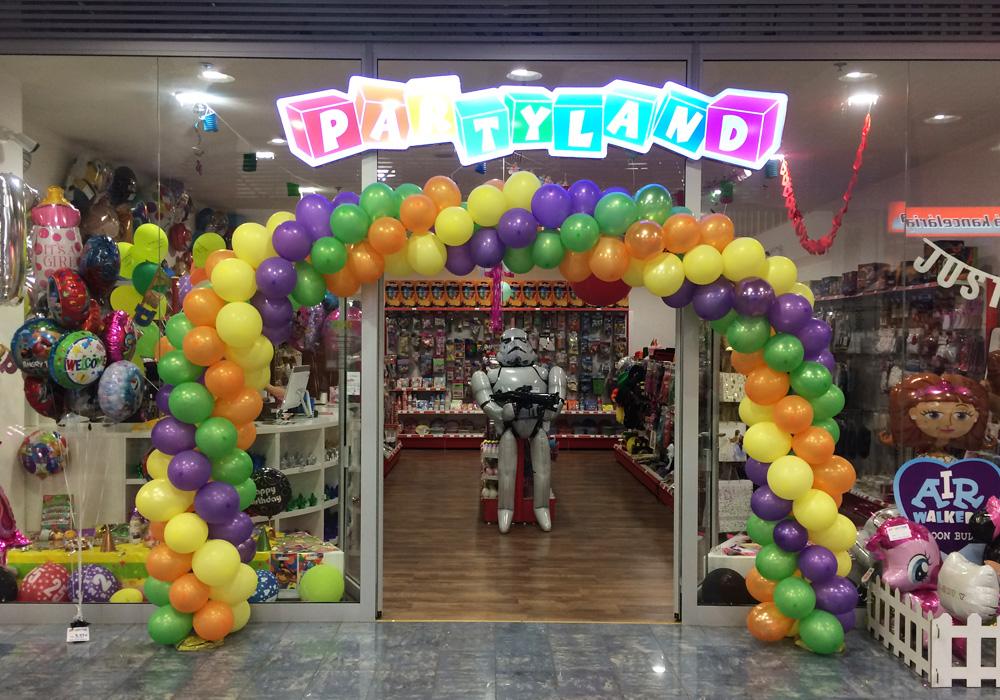 c56a432a2 PARTYLAND   Obchody   Hračky, darčeky, knihy v OC MAX Trnava